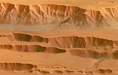 "Coprates Chasma and the ""Grabenkette"" Coprates Catena in an eastern section of Valles Marineris. Credit: ESA/DLR/FU Berlin (G. Neukum)."
