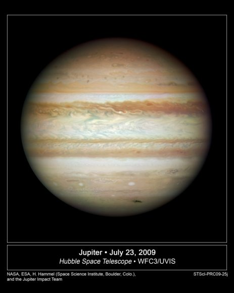Jupiter from the newly refurbished Hubble.  Credit: NASA, ESA, M. Wong (Space Telescope Science Institute, Baltimore, Md.), H. B. Hammel (Space Science Institute, Boulder, Colo.), and the Jupiter Impact Team