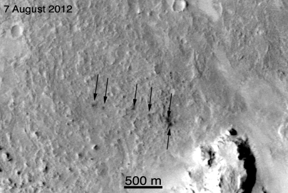 CLICK TO PLAY - Before-and-after images of the 55 kg-mass landing sites (NASA/JPL/MSSS)
