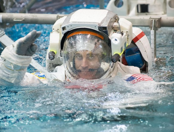 Astronaut Chris Cassidy training for a spacewalk in NASA's Neutral Buoyancy Laboratory. Credit: Robert Markowitz