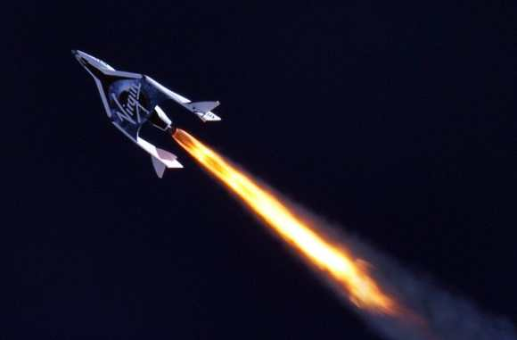 SpaceShipTwo fires her rocket motor in flight for 1st time on April 29, 2013. Credit:  MarsScientific.com