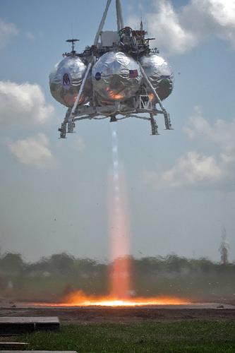 Morpheus during an April 2012 test. Credit: Joe Bibby