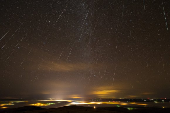 Time lapse-photo showing geminids over Pendleton, OR. Credit: Thomas W. Earle