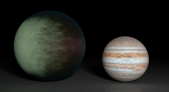 Cloud map of Kepler-7b (left) in comparison to Jupiter (right). Credit: NASA/JPL-Caltech/MIT