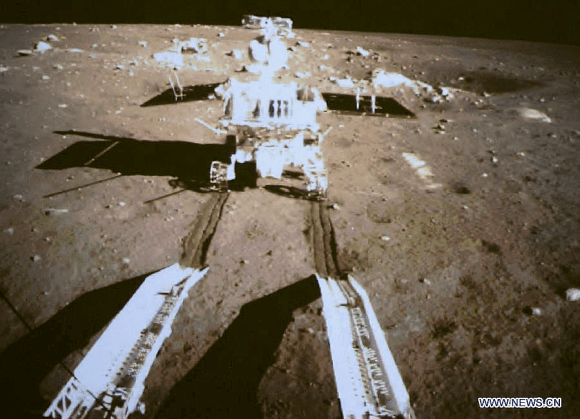 China's first lunar rover separates from Chang'e-3 moon lander early Dec. 15, 2013. Screenshot taken from the screen of the Beijing Aerospace Control Center in Beijing. Credit: Xinhua/post processing by Marco Di Lorenzo/Ken Kremer