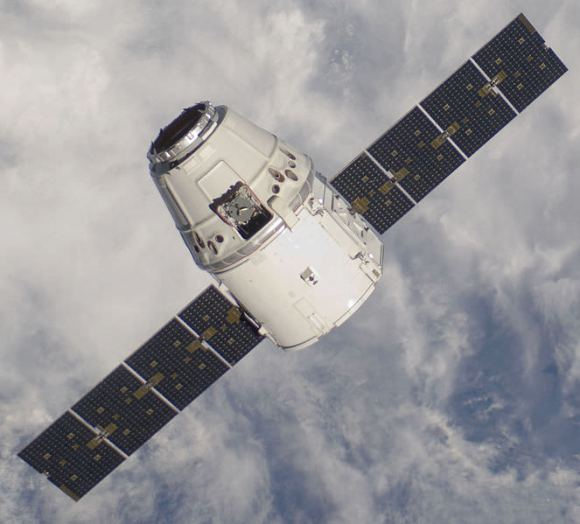 The SpaceX Dragon capsule on approach to the ISS during the COTS 2 mission. Credit: NASA.