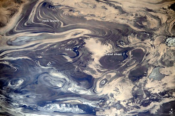 An annotated version of the image of the Kavir Desert. Credit: NASA