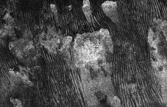 Radar image of rows of dunes on Titan (NASA/JPL-Caltech)
