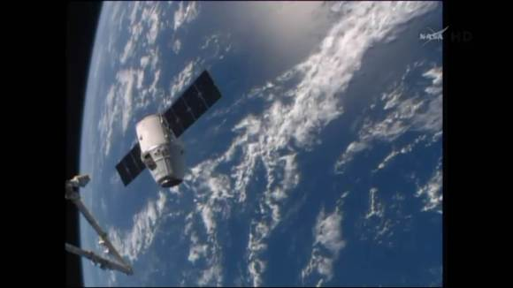 SpaceX Dragon resupply spacecraft arrives for berthing at the Internati