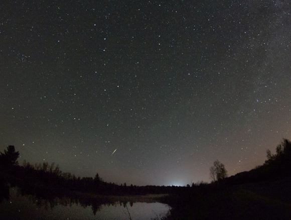 Pretty scene with the Big Dipper (upper left), a lake and a 'Cam' taken from Sudbury, Canada. Credit: Bill Longo