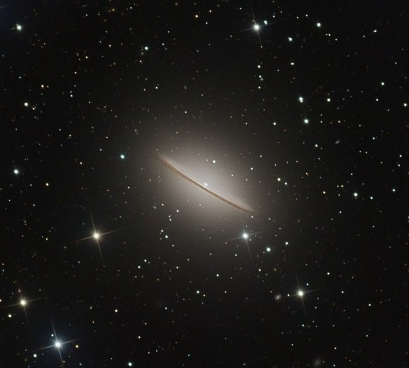 A lovely view of the Sombrero Galaxy in Virgo. Taken remotely from Siding Spring Observatory, Australia during several nights in April.  Credit and copyright: Ian Sharp.