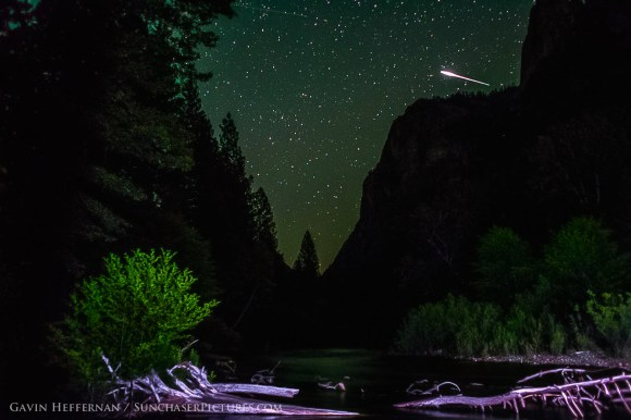 A meteor streaks through the sky over Sequoia and Kings Canyon National Parks in California. Credit and copyright: Gavin Heffernan/Sunchaser Pictures.