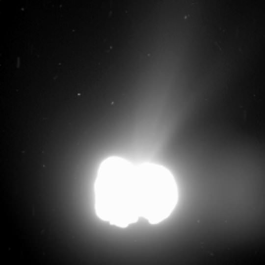 By planned overexposure of the nucleus of comet 67P/Churyumov-Gerasimenko structures in the coma become visible. This images was taken on August 2nd, 2014 from a distance of 550 kilometers. It was exposed for 5.5 minutes. ESA/Rosetta/MPS for OSIRIS Team MPS/UPD/LAM/IAA/SSO/INTA/UPM/DASP/IDA