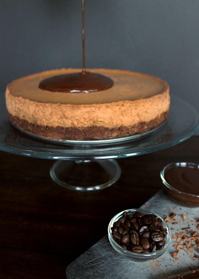 Mocha Brownie Cheesecake | universityfoodie.com