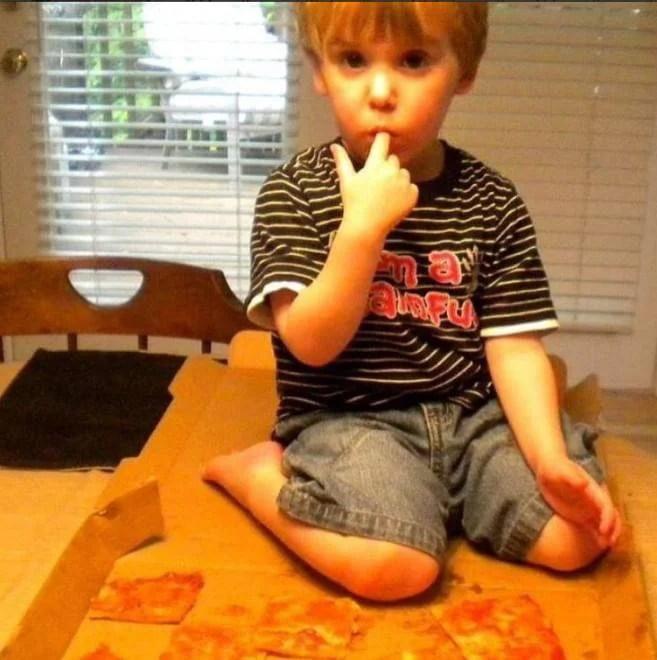 bambino e pizza