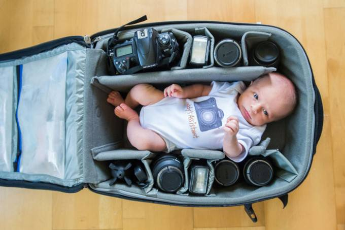 bimbo nella borsa