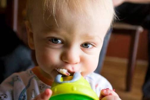 Un padre scopre perché il figlio si ammalava spesso e denuncia tutto (FOTO)