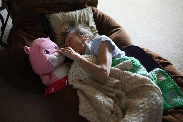 Jacquie-Heath-dementia (10)