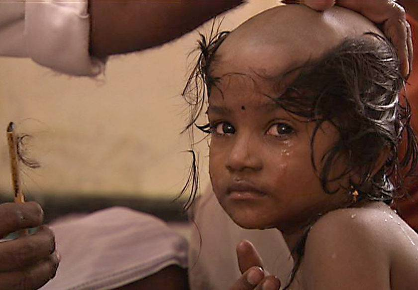 Il mercato delle extension con capelli veri sfrutta donne e bambini - FOTO