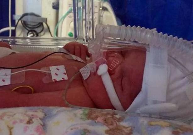 Una mamma perde la figlia avuta dopo 16 aborti spontanei per una grave malattia
