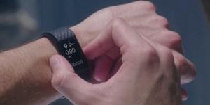 Fitbit تكشف عن أحدث السوارات الذكية Charge 2 وFlex 2