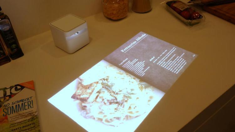sony-Short Throw-projector