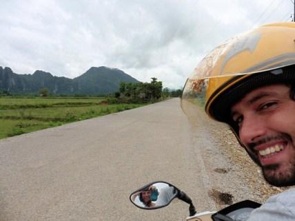 Con la moto por Vang Vieng