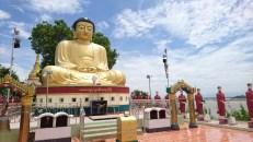 Réplica del Buda de Kamakura en Sagaing