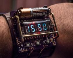 El retro reloj steampunk