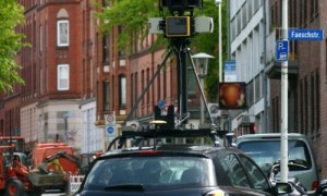 Une voiture Google Street View dans les rues de Belgique  Image Globe / CARSTEN REHDER