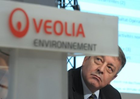 Le PDG de Veolia Antoine Frrot le 4 mars 2011  Paris 460x324 Veolia Environnement dlaisse le secteur des transports publics