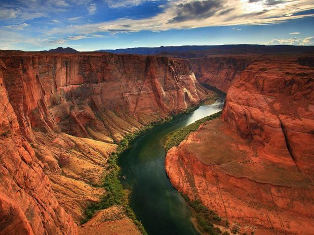 arizona grand canyon 620x465 Disneyland au Grand Canyon ?