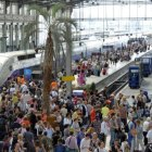Le TGV fte deux milliards de voyageurs et file vers de nouvelles conqutes
