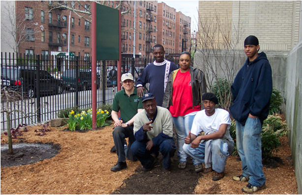 hsny_outreach_greenteam_flatbushpose