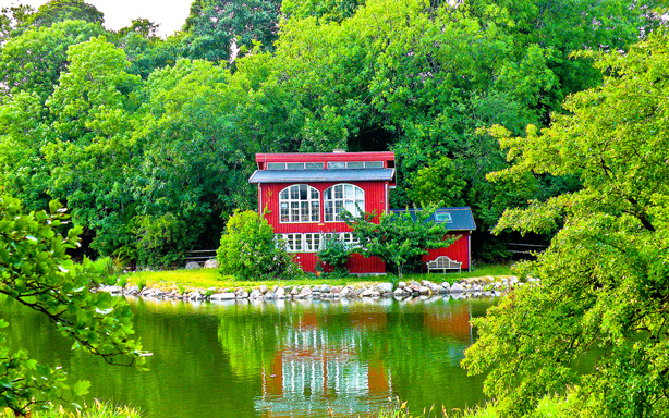 pretty_red_house