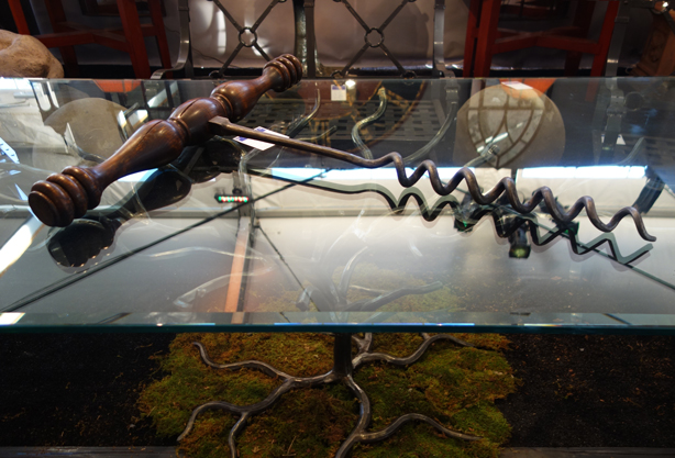 giant-corkscrew-nybg-antiques-garden-fair-urbangardensweb