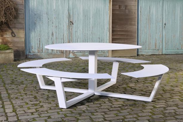 cassecroute-la-grande-ronde-01-ronde-picknicktafel-wit-aluminium-staal-960x640