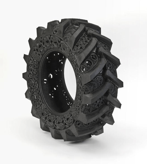 wim-delvoye-recycled-tires-into-art-sculptures