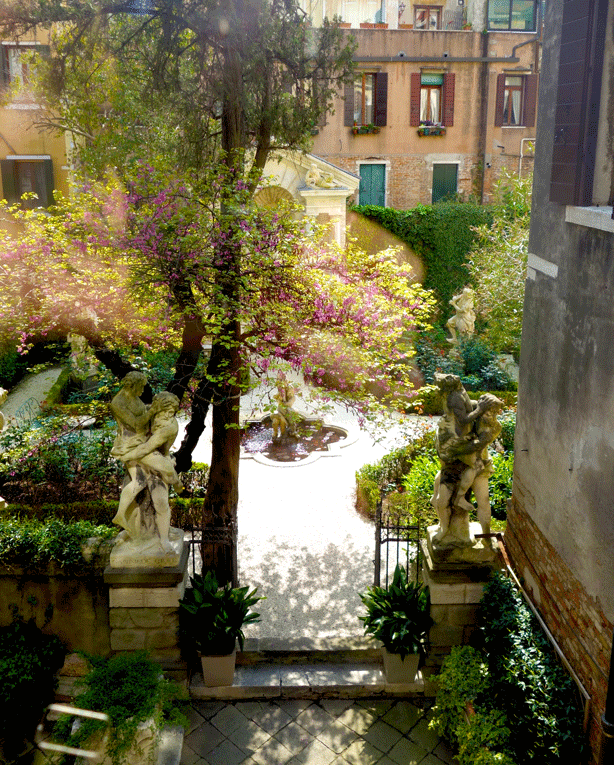 pallazzo-barnabo-garden-through-upstairs-windows-614