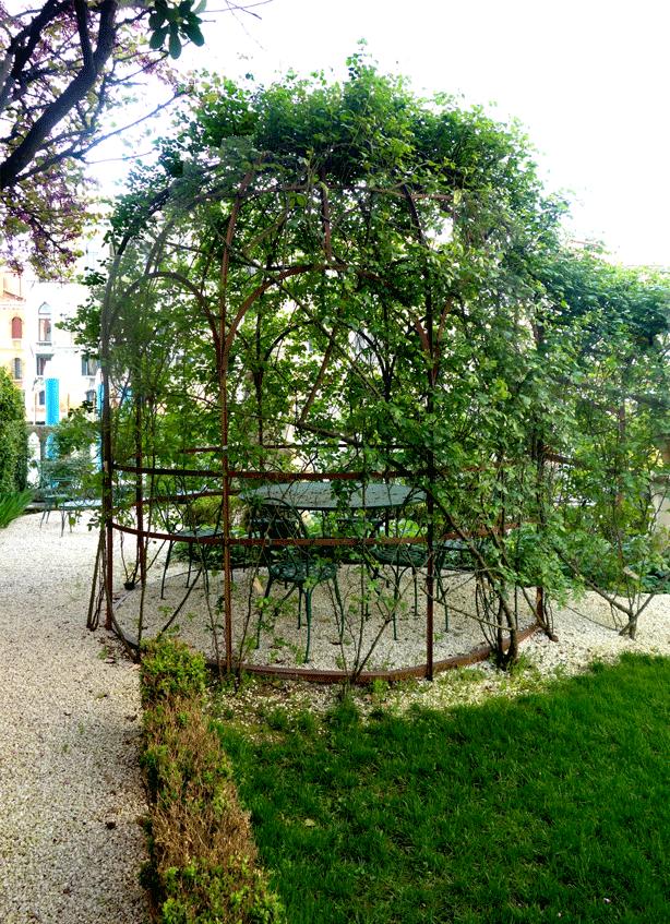 pallazzo-barnabo=gazebo-614
