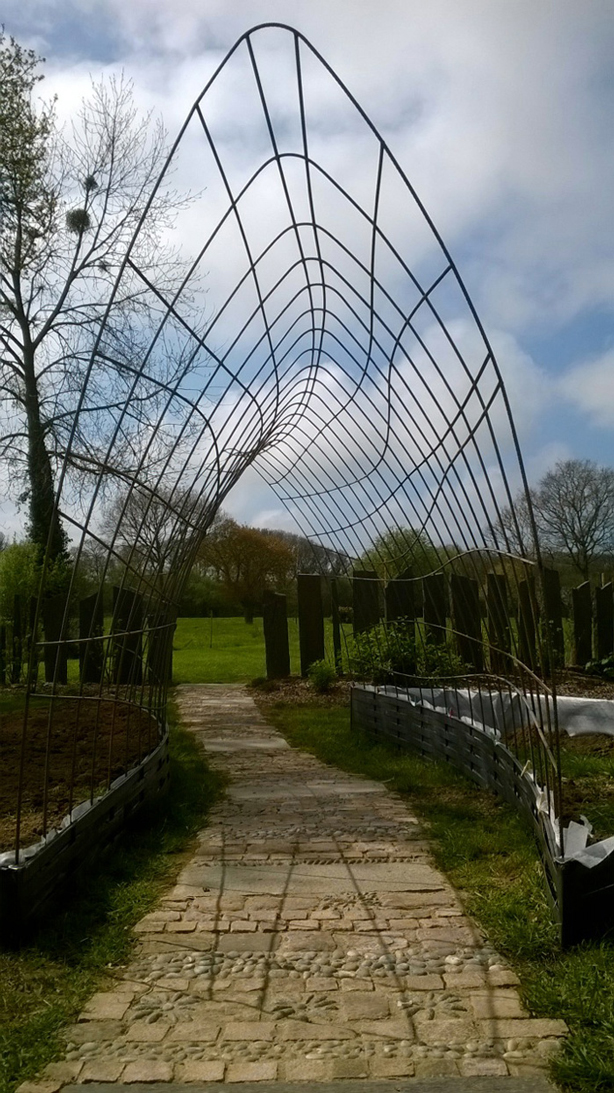 tonnelle-francis-beninca--urbangardensweb