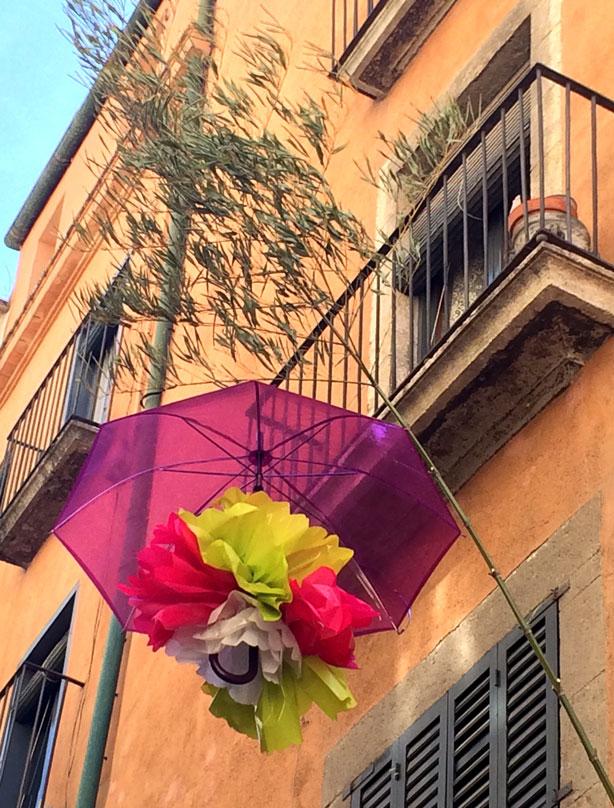 umbrella-lrg-off-balcony-temps-de-flors-urbangardensweb