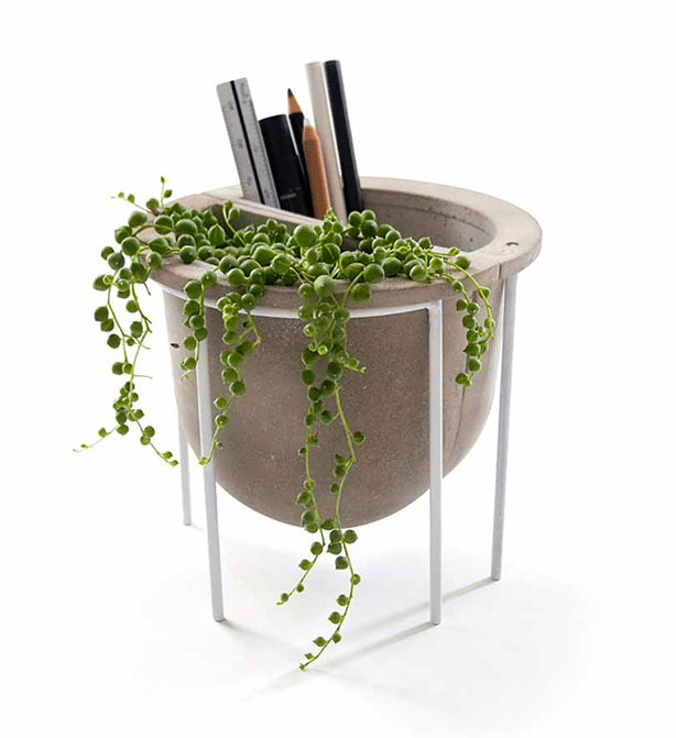 concrete_vessel_with_stand_urbangardensweb