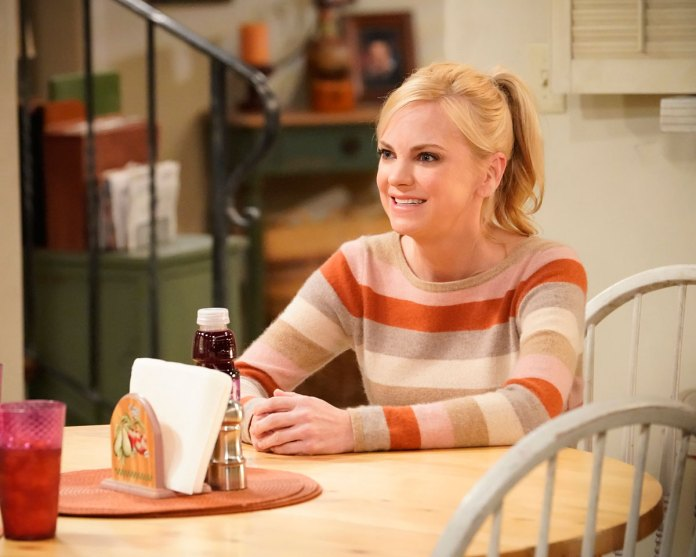 How Mom Wrote Off Anna Faris Character in Season 8 Premiere