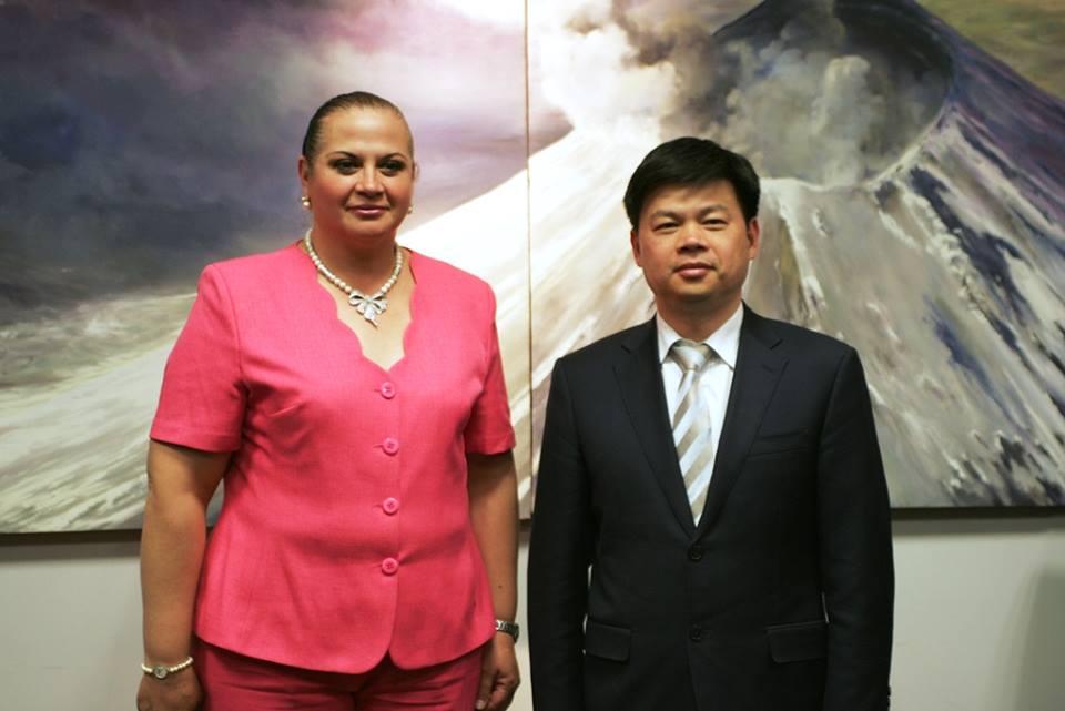 Reunión con la delegación China del distrito HUISHAN