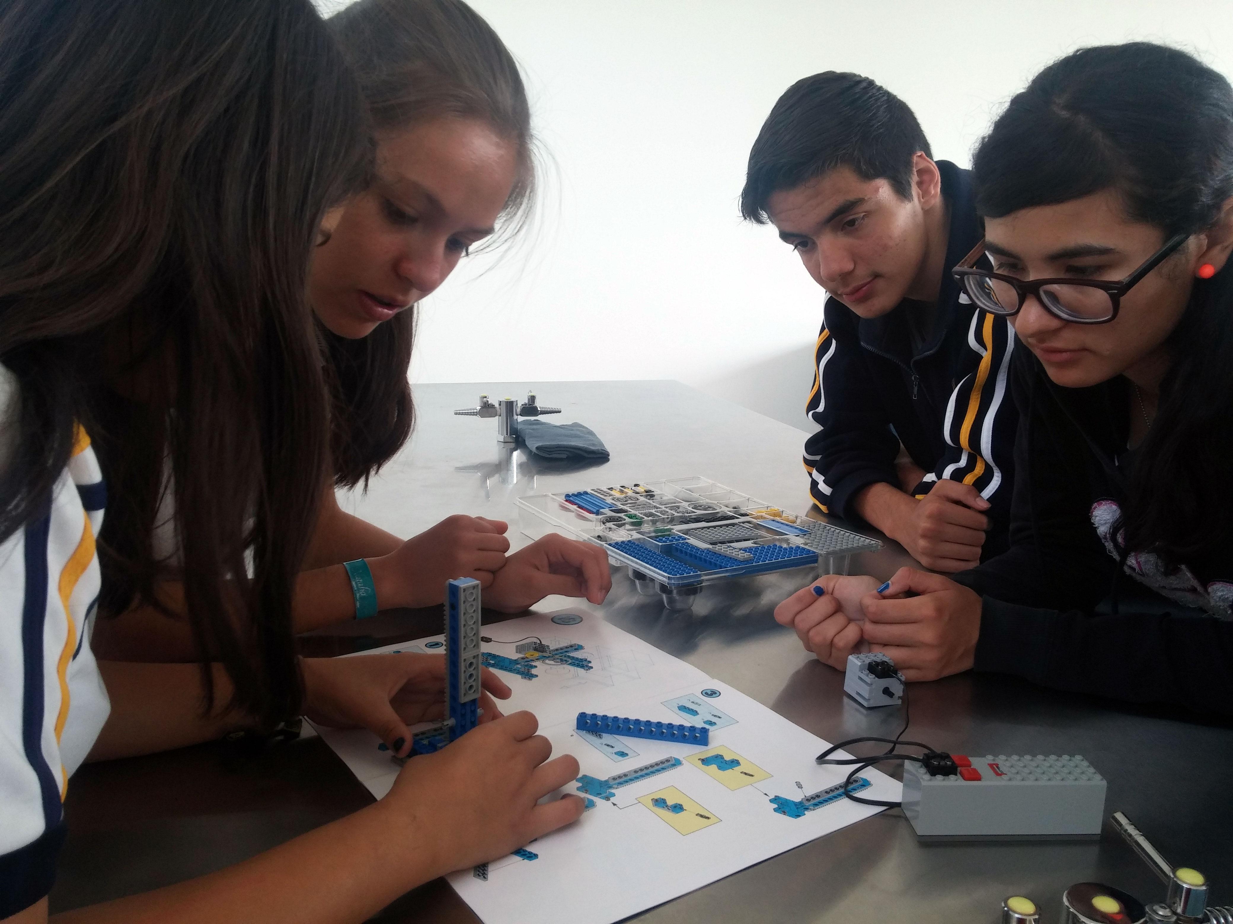 Participación de la UTZAC en Feria Vocacional IMAP 2015