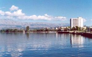 Gözyaşı kadar duru Ohrid Gölü'nün suyu