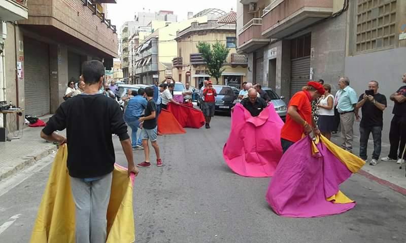 Toreig als carrers del Prat de Llobregat