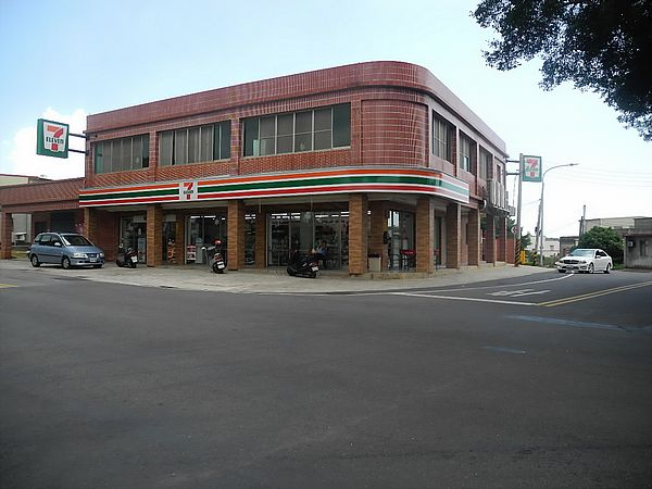 A 7-Eleven in the middle of the countryside on Kinmen, Taiwan