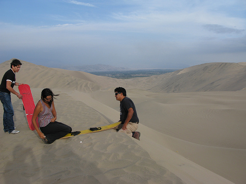 Sandboarding Instructions in Peru ccImage by Palegoldenrod on Flickr